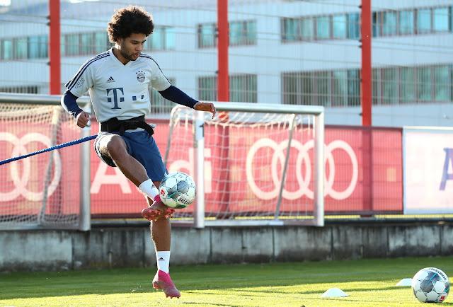 Bayern đón tin vui bất ngờ trước khi bước vào lượt về