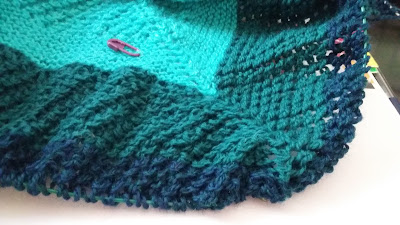 http://www.ravelry.com/projects/jeanniegrayknits/modified-reyna