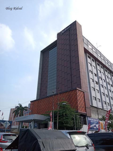 Menikmati Aneka Olahan Durian di Hotel Radisson Medan