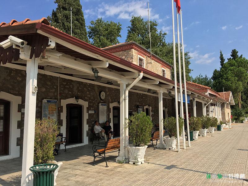 探訪土耳其秘境30天之旅第14天:有旅伴的第一天 前往棉花堡的路上