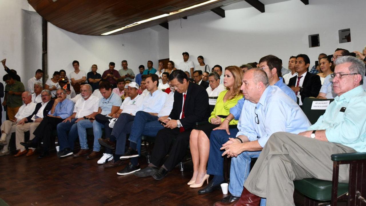 Los líderes políticos opositores al MAS se reunieron en Santa Cruz en 1 de febrero / ABI ARCHIVO