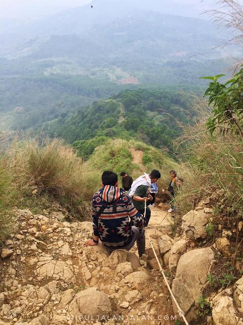 Trek Gunung Batu Jonggol