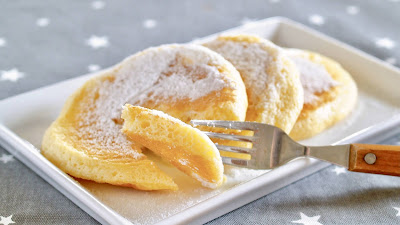 5-Ingredient Soufflé Pancakes