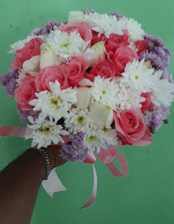 Melayani aneka bunga mawar potong untuk di wilayah lamongan dan sekitarnya
