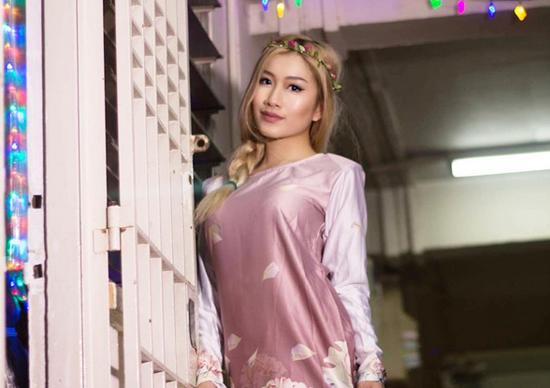 Gambar Seksi Blogger Nicole Choo