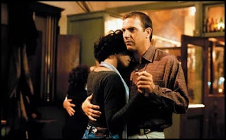 Whitney Houston y Kevin Costner en El guardaespaldas (Mick Jackson, 1992)