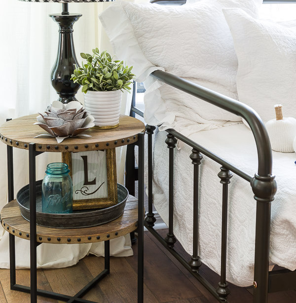 daybed spindles