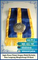 piala kaca, piala trofi, plakat akrilik surabaya