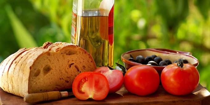 Τσιόδρας: Ποια τρόφιμα προτείνει για τη διάρκεια της καραντίνας