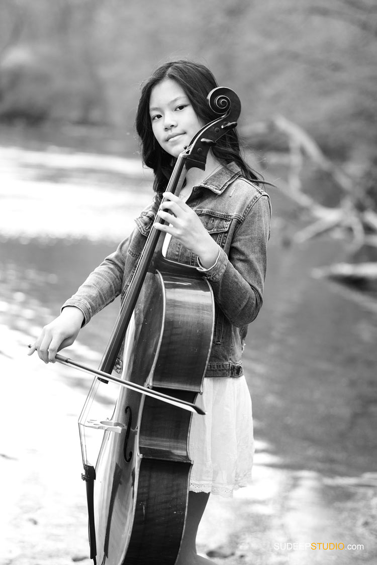 Modern Black and White Music Pictures for Teenage Girl by SudeepStudio.com Ann Arbor Family Portrait Photographer