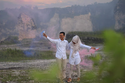 Prewedding Photo Gunung Kapur Putih di Karawang