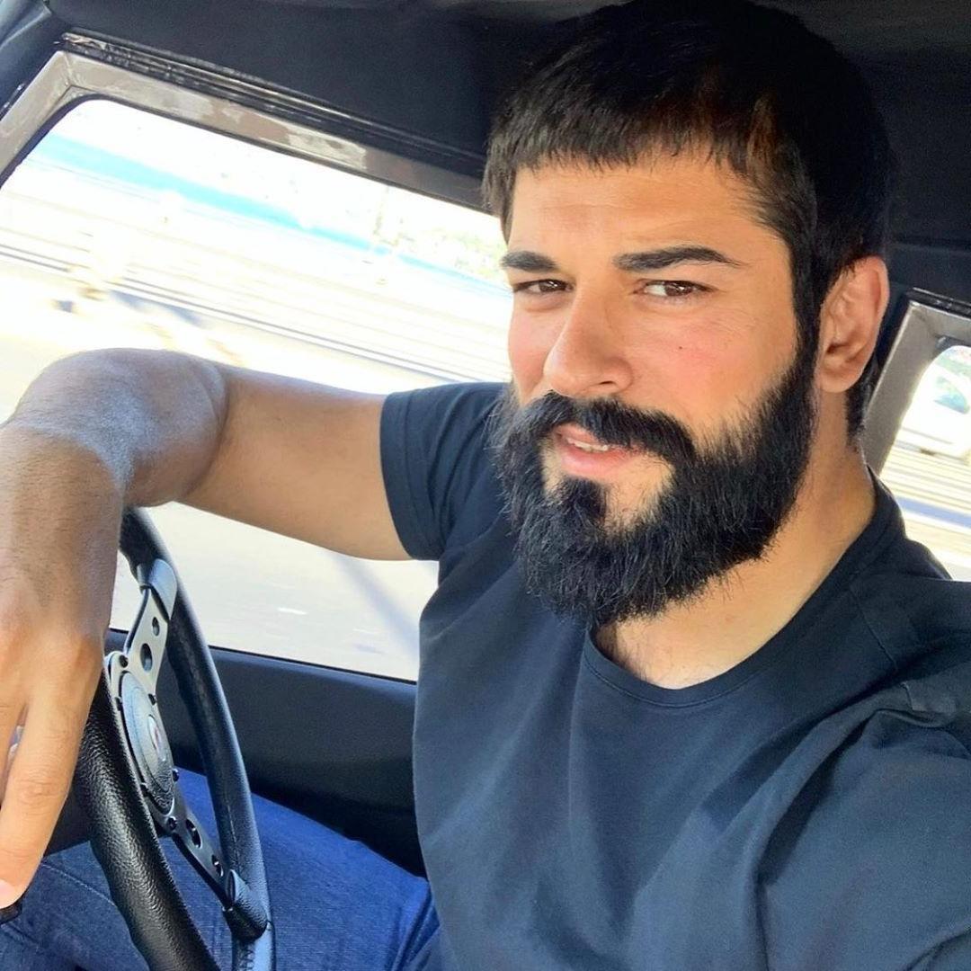 most-handsome-turkish-men-beautiful-black-beard-dark-eyes-car-selfie
