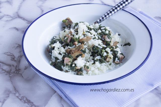 Arroz con espinacas y champiñones