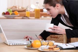 Jangan melewati sarapan, penting sekali untuk meningkatkan stamina di pagi hari
