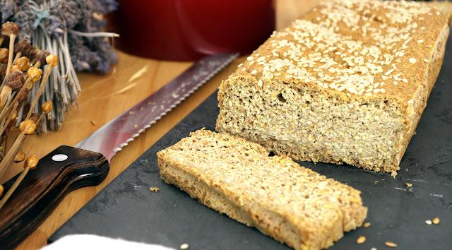 Pão de linhaça sem farinha, sem trigo, sem aveia, sem ovo, vegano Pensando ao contrário por Camila Victorino