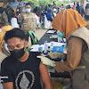 Situasi di Tribun Lapangan Makkatang di Penuhi Masyarakat Ikut Vaksinasi