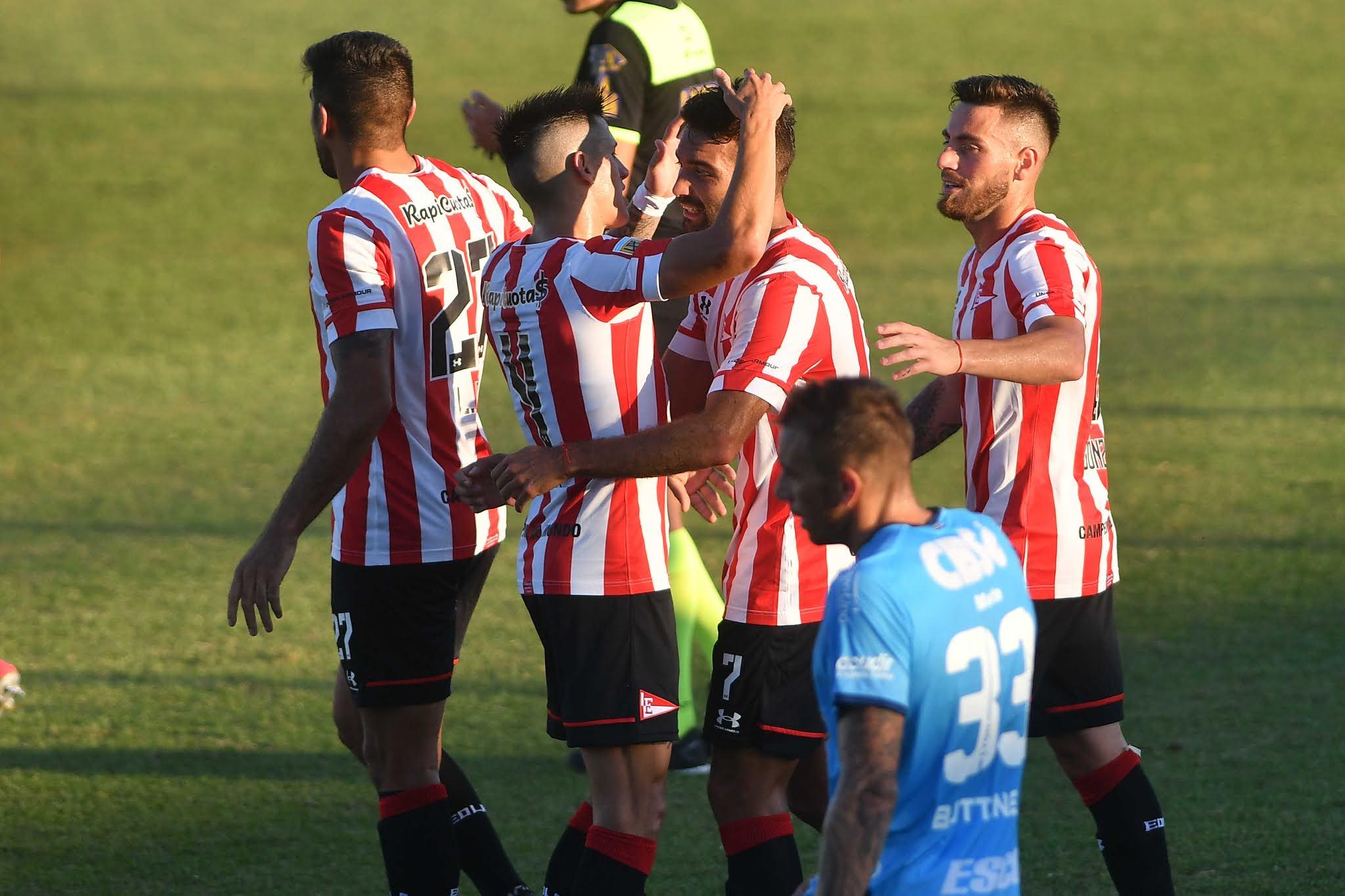 Estudiantes goleó 5 a 0 a Arsenal y se consolidó como escolta de Colón