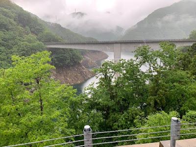 湯西川ダム湖にかかる橋