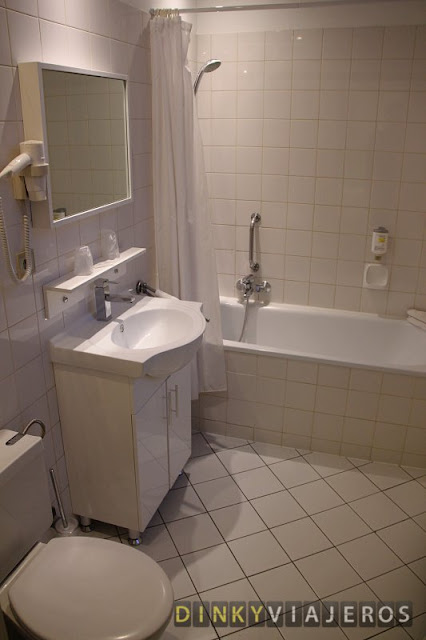 Hotel Siru. Baño