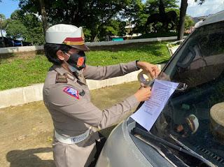 KBO Satlantas Polres Gowa Tertibkan Parkir Liar