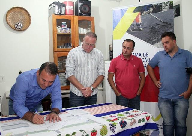 Vice-Prefeito Sergio Pinheiro autoriza que ruas do Rio Verde e São Gabriel sejam asfaltadas