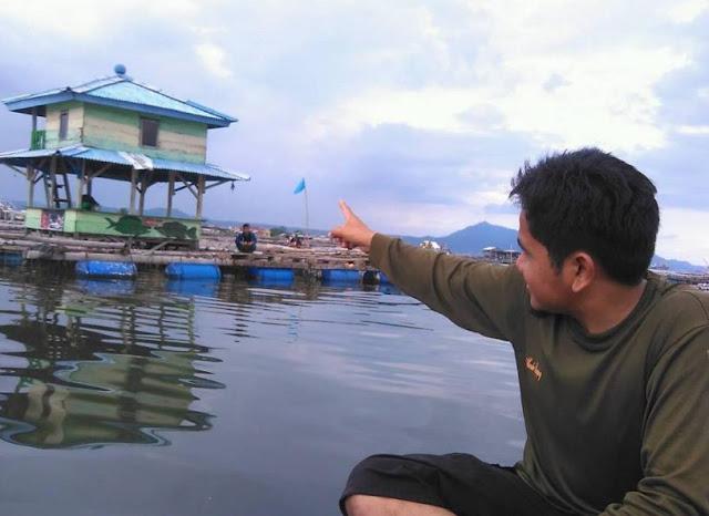Keramba di sekeliling Pulau Pasaran
