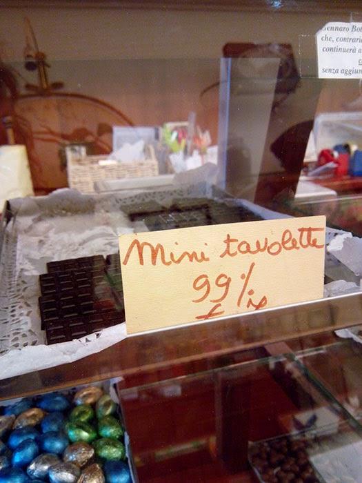 Ofertas dos chocolates artesanais, sempre perto do caixa