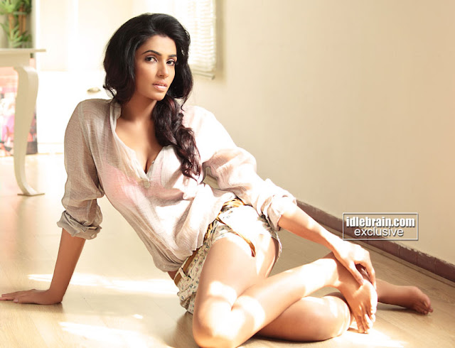 Akshara Gowda hot photo shoot