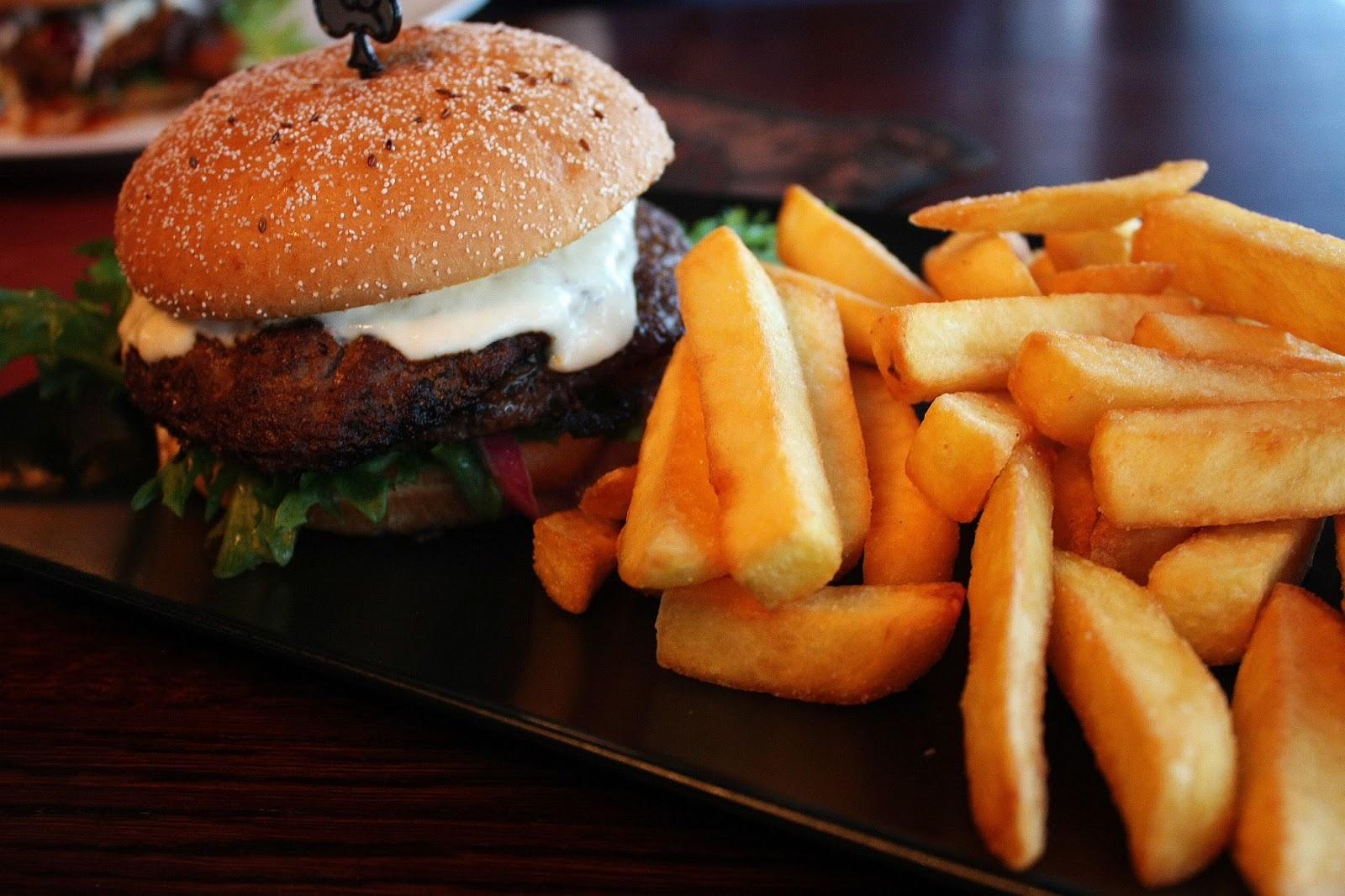 Jyväskylä hampurilaistesti hampurilainen burger mallaspulla ruokablogi sohwi