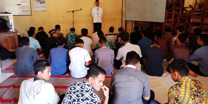 Sholat Duha 8 Roka'at, Mengawali Serangkaian Pesantren Kilat SMK Muhammadiyah Trenggalek