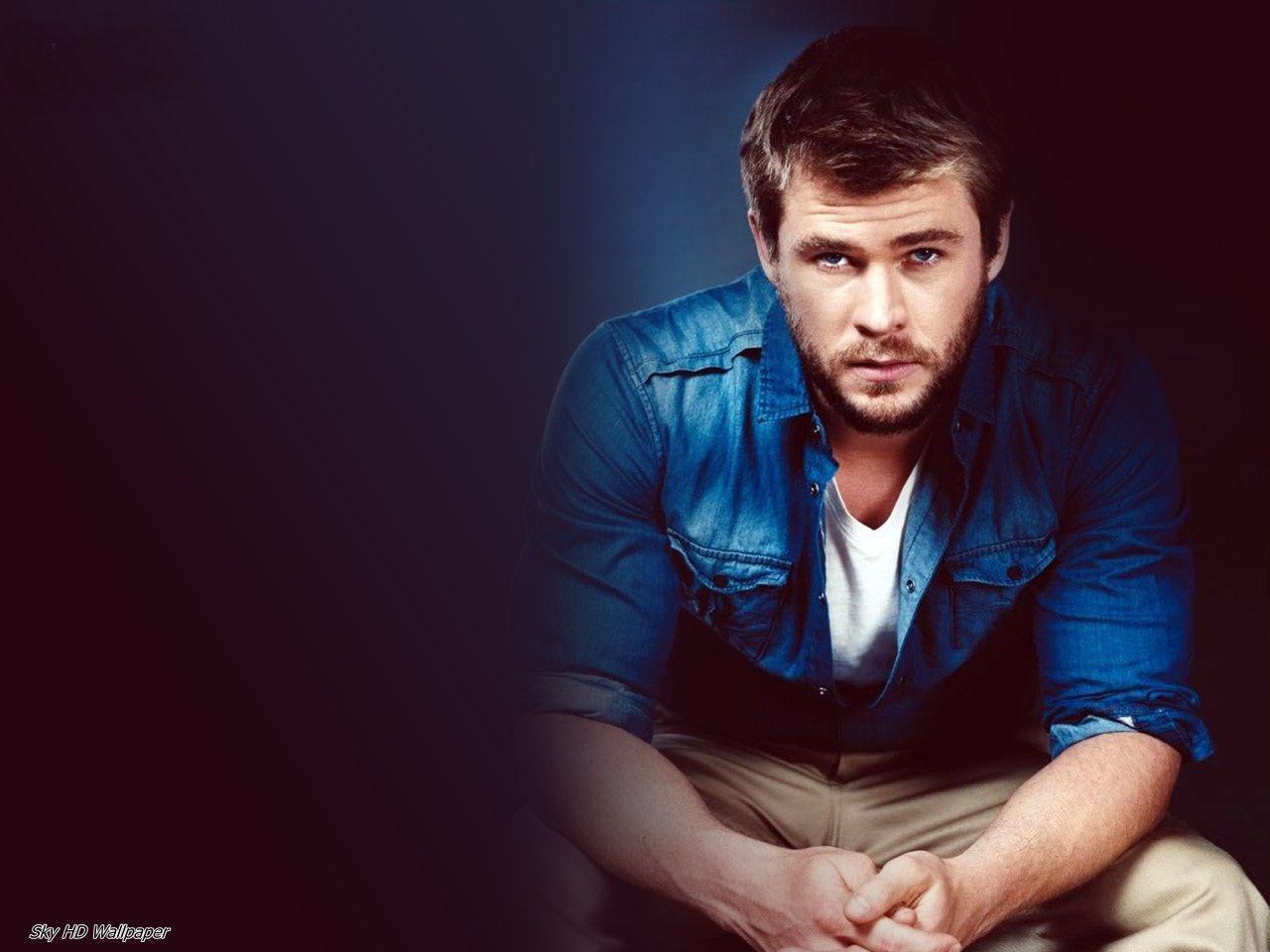 Chris Hemsworth Dashing look