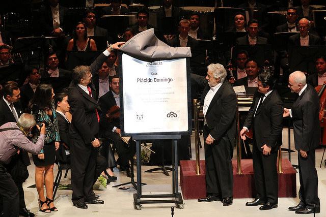 Aristóteles Sandoval devela placa del nuevo Conjunto de Artes Escénicas