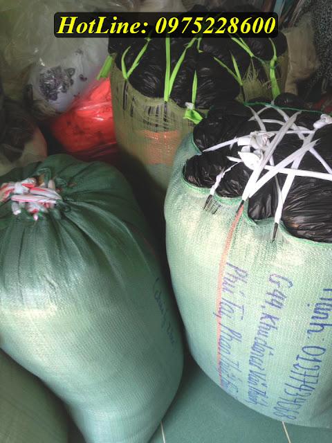 Công ty ADAMIS giao 170kg vải ra chành xe cho xưởng may chị Hạnh tại Phan Thiết