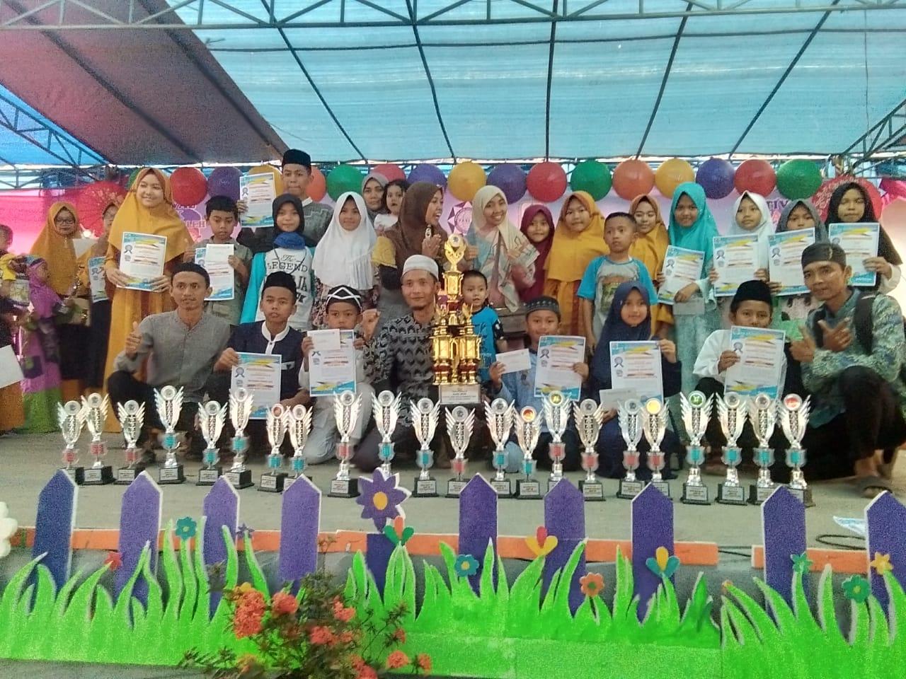 Bersama Santri Cilik Berprestasi di Festival Anak Shaleh Indonesia 2019