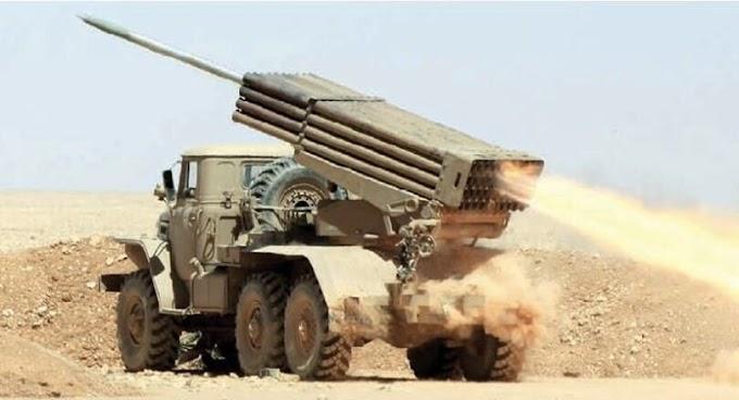 Varios soldados marroquíes muertos y material destruido tras salirse del muro militar al norte del Sáhara Occidental.