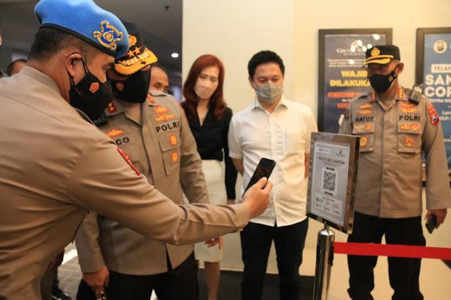 Barcode Peduli Lindungi di Mall Surabaya