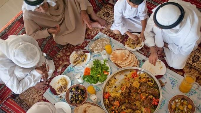 Adab Menyantap Hidangan Menurut Ajaran Islam dan Nabi Muhammad SAW