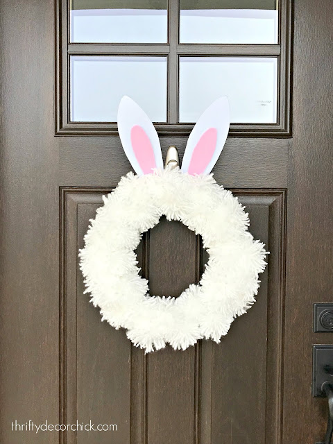 DIY fluffy bunny wreath for Easter