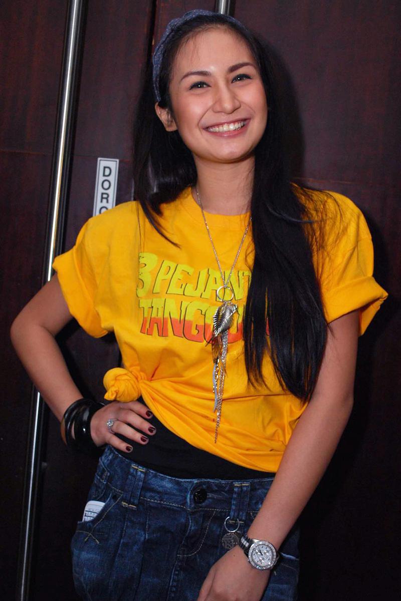 Siti Anizah cewek manis dan imut lembut