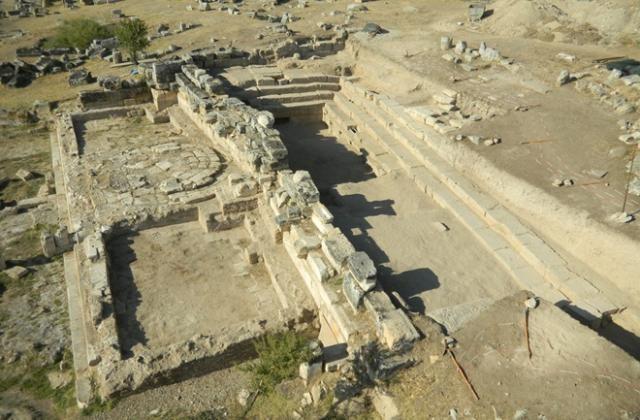 Portal do Inferno é Descoberto por Arqueólogos na Turquia