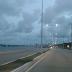 Trânsito livre na via costeira.