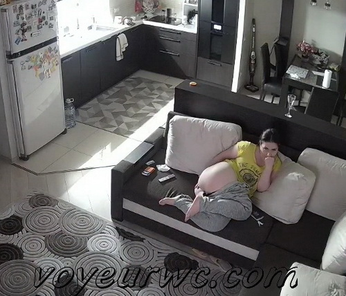 Naked mom rests on the bedroom (Spying on a young mom 05-08)