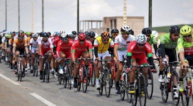 جامعة الدراجات تعاقب المتسابقين المغاربة المنسحبين من الطواف
