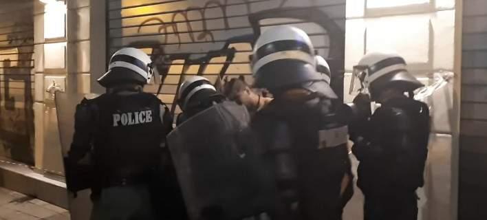 Θεσσαλονίκη: Αλλοδαπός επιτέθηκε σε άτομα που διαδήλωναν για τη Μακεδονία [βίντεο]