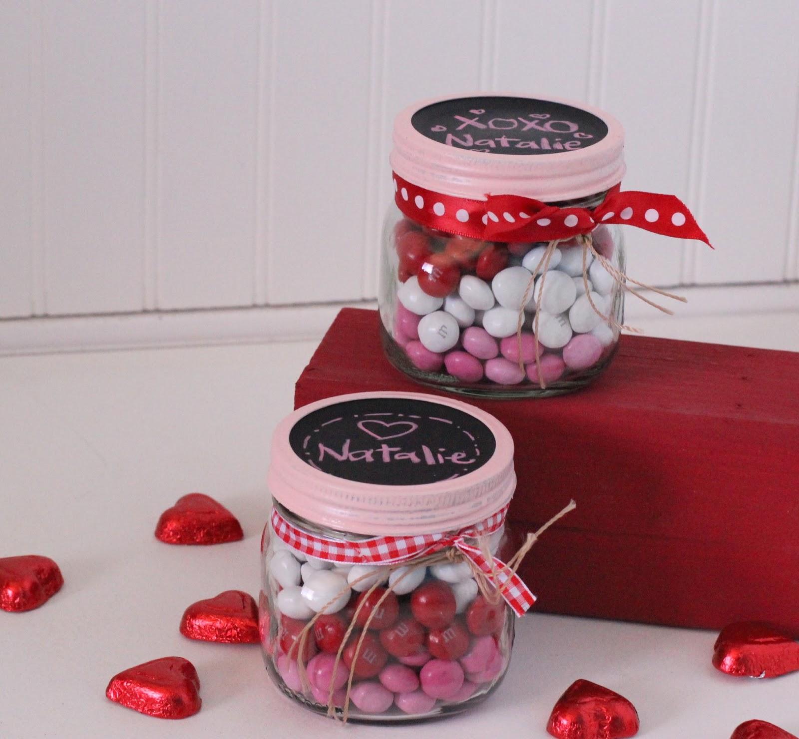 Valentine S Idea Week Day 2 Layered Candy Mason Jars I Dig Pinterest