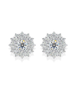 Bông tai kim cương tấm xinh xắn