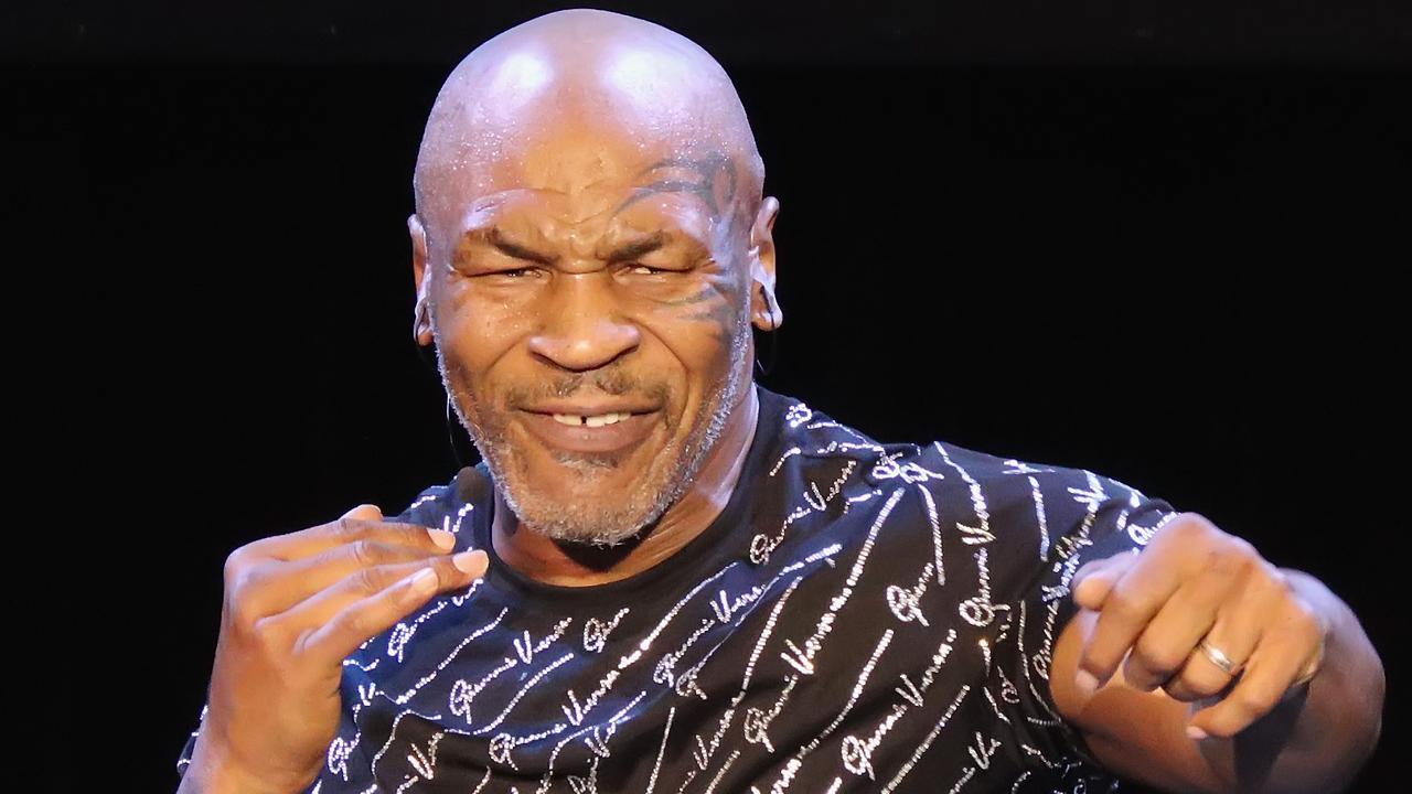 Mike Tyson Sarankan Petarung UFC Memiliki 'Mulut Besar'