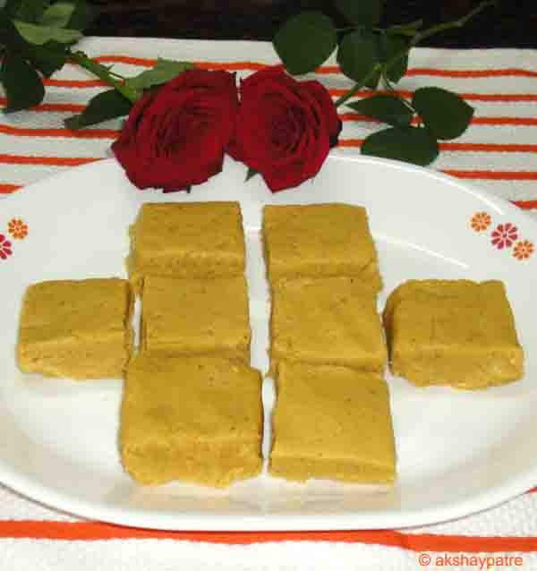 Besan khawa barfi in a serving plate