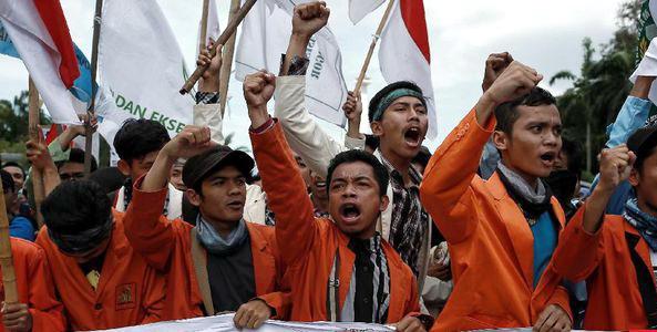 'Kami Tidak Takut, Turunkan Tarif PNBP dan Listrik Atau Jokowi Mundur Sekarang Juga!'