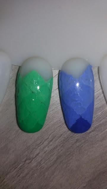 blog-jak-zrobic-samemu-paznokcie-geometryczne-ombre-krok-po-kroku-farby-akrylowe-wzornik